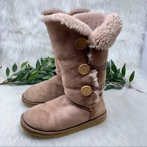 Ugg Bailey Button Triplet Tall Sheepskin Boot 9